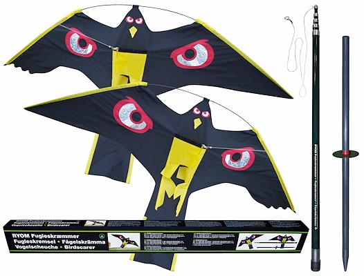 100734 Fugleskræmmer med kasse.jpg